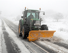 zimska-sluzba-traktor